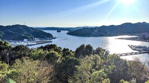 高知駅から走ってGO。市街と浦戸湾を一望できる絶景「五台山公園」