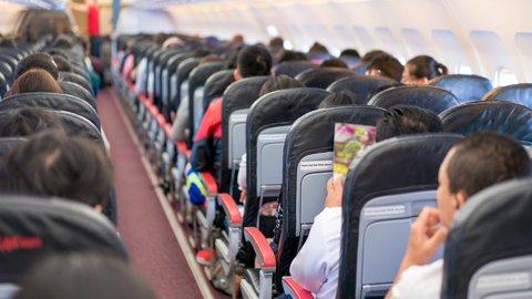 日本人は「通路側」を好む傾向に。機内コミュニケーションの国際調査結果