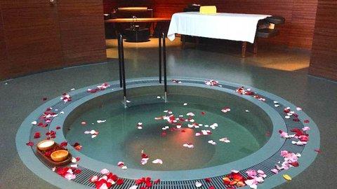 「隠れ温泉地」って知ってる?スイスで楽しむ豪華プライベートスパ