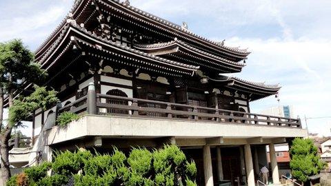 なぜ鹿鳴館のシャンデリアがお寺に?関東三聖天のひとつ「燈明寺」