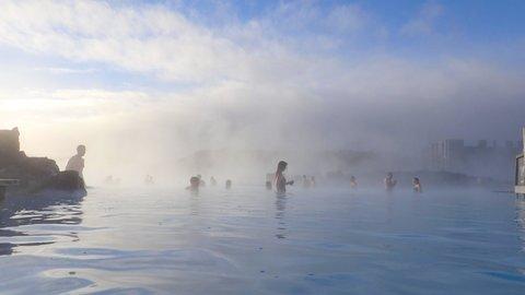 世界最大の青い露天風呂。火と氷の国「アイスランド」で温泉めぐり