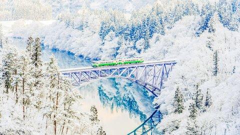 外国人も絶賛。日本の冬に見たい、雪に染まる感動の絶景24選