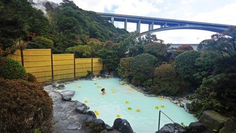 地獄どころか天国だ。江戸時代から続く美肌の湯、大分別府「明礬温泉」