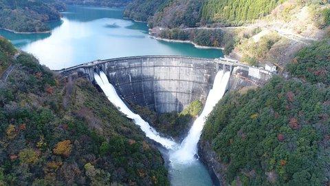 さすが「神話のふるさと」宮崎だ。旬を満喫する絶景ダムツアー開催