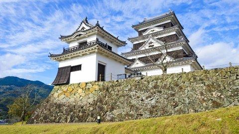 ワシが殿じゃ。愛媛県「⼤洲城」ステイで鎌倉時代にタイムトリップ