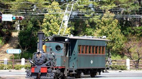 古き良きニッポンの原風景。街を彩る「乗ってみたい路面電車」TOP10