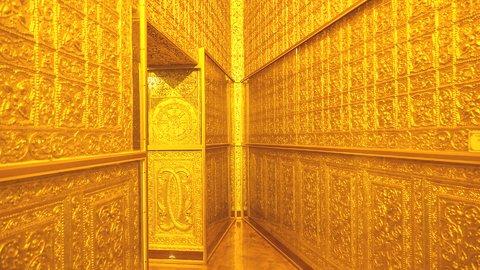 ド派手に輝く黄金の通路も。金ピカに光るアジアの「仏教建築」6選