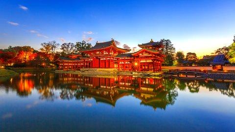 京都が誇る圧巻の秋景色。世界遺産「平等院」で絶景の紅葉めぐり