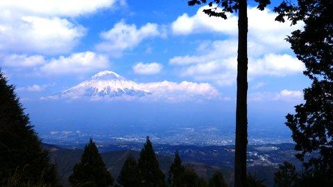 絶景ビューポイントを求めて。初心者にもおすすめ「白鳥山」登山旅