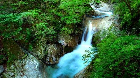都内で避暑も。アフターコロナで行きたい、全国のおすすめ「渓谷」