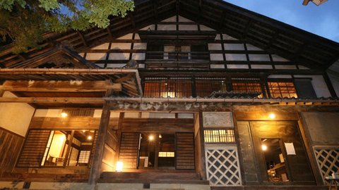 お殿様気分で宿泊体験。古き良き江戸の面影を残す、長野「Satoyama villa 本陣」
