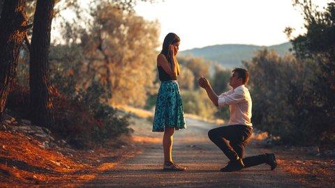 あの一言がほしかった…「プロポーズ」に関する男女の考えの違いとは