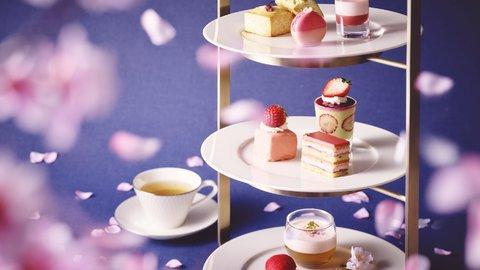 春色広がる至福の時。優雅なホテルで楽しむ「桜いちごアフタヌーンティー」