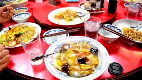 中華テーブル、実は日本発祥。日本人の「おもてなし心」が生んだ発明品
