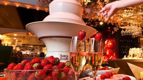 980円〜でイチゴ天国!旬のフルーツ&ワイン「食べ飲み放題」イベント開催