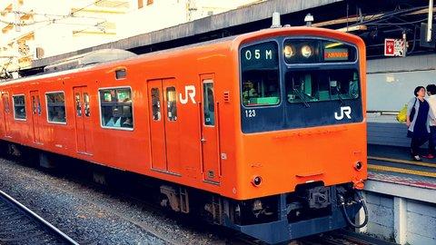 最難関の「大阪駅」へ…5歳の私と妹が体験した、はじめての電車旅