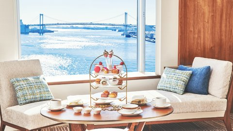 最大7時間のステイ付き。東京湾が望める客室で「おこもりアフタヌーンティー」