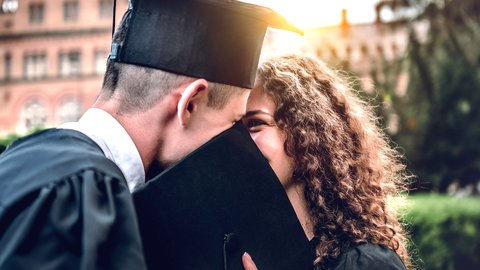 気になるあの子と初体験…外国人に聞いた「卒業」の思い出