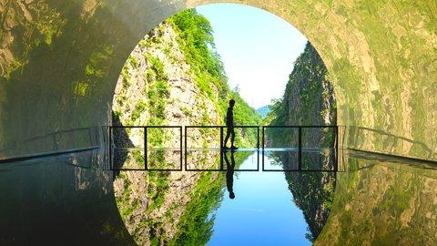 水鏡に映る圧巻の絶景。大自然とアートが見せる「清津峡渓谷トンネル」の魅力