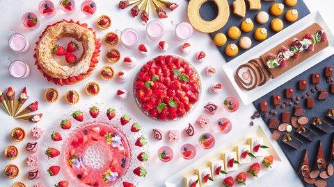 まるでイチゴの宝箱!ショコラも楽しめる豪華な「いちごスイーツブッフェ」