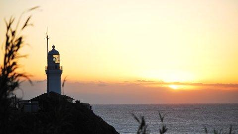 大海原の絶景を一望。海を美しく照らす東日本の「登れる灯台」7選