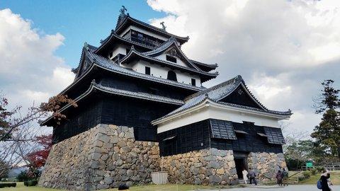 一体、なぜ?先人の知恵が詰まったユニークな日本全国の「お城」8選