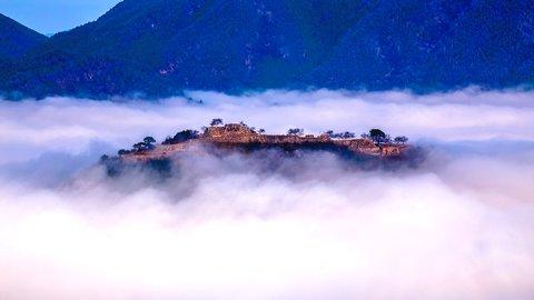 幻想的な天空の城。雲海に浮かぶ、日本のマチュピチュ「竹田城跡」の魅力