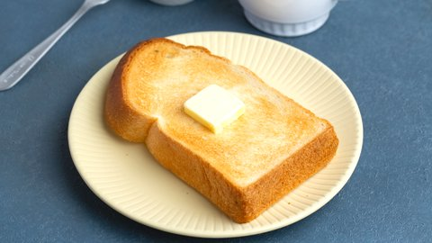パン界の最強が決定!?スーパーで買える人気の「食パン」ランキング