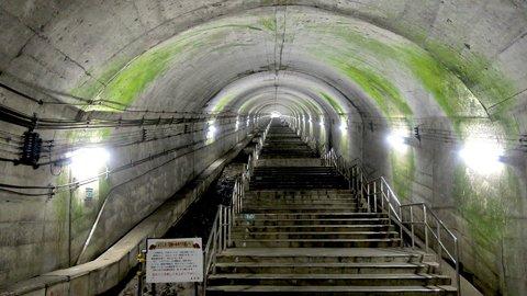 迷宮への入り口…?日本一のモグラ駅「土合駅」にグランピング施設が誕生