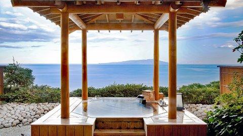 月と海と温泉と。癒しの絶景が待つ、東伊豆の旅館でひとときを過ごす魅力