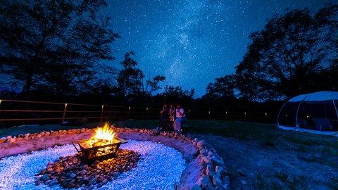 食べ放題BBQ付き!絶景の星空が広がるグランピング施設「星が見の杜」