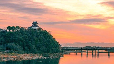 ひとりで楽しめる名城も。全国にある美しく優雅な「日本の城」10選
