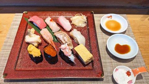 親子の心を繋ぐ美味。新潟県の「鮨&タレカツ&へぎそば」食い倒れドライブ
